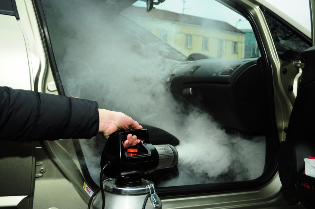 Как избавиться от неприятного запаха из кондиционера автомобиля
